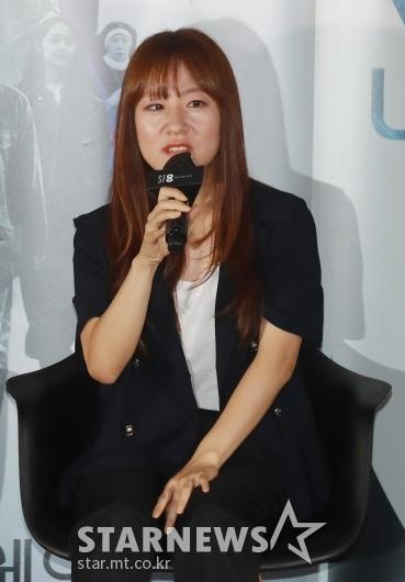 답변하는 '블링크' 한가람 감독[★포토]