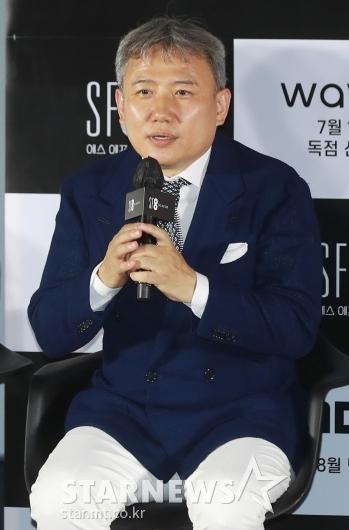 답변하는 '증강콩깍지' 오기환 감독[★포토]