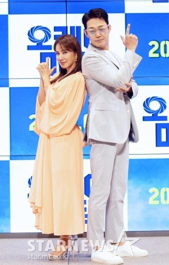 엄정화-박성웅 '올여름 극장 접수 완료!'[★포토]