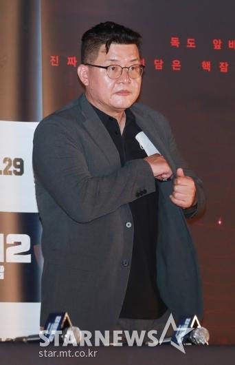 시사회 참석한 '강철비2' 양우석 감독[★포토]