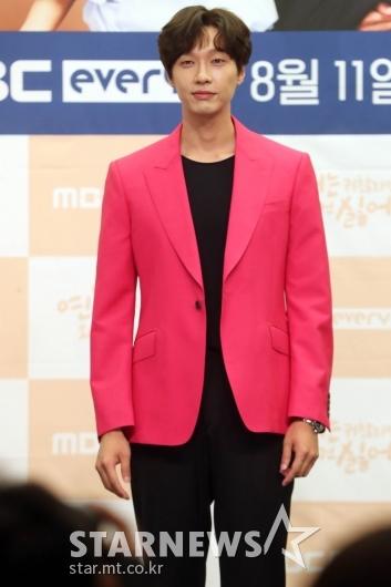 지현우 '로맨스 장인의 미소' [★포토]