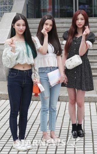 엘키-최유진-권은빈 '예쁜 소녀들'[★포토]