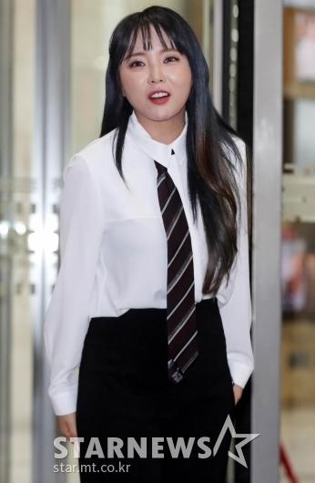 홍진영  '아이돌 e스포츠대회, 기대하세요!' [★포토]