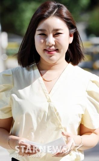 송가인 '가을햇살에 반짝이는 미모' [★포토]