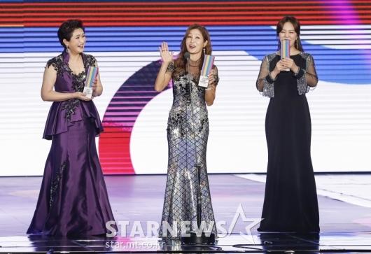 김용임-김혜연-금잔디 '미녀 트로터'[★포토]