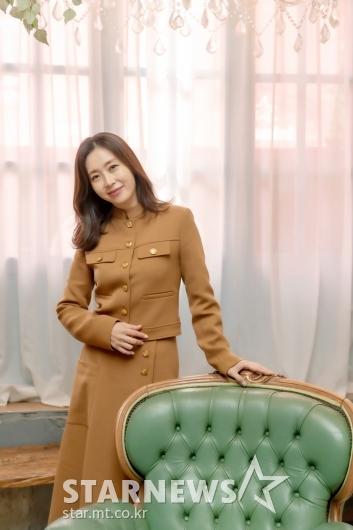 송윤아 '미모는 여전하죠?'[★포토]