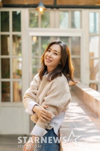 송윤아 '가을여인의 미소'[★포토]