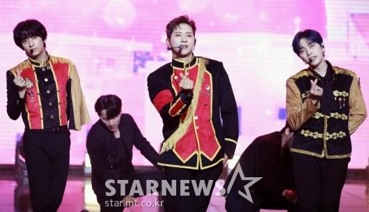 B1A4 '왕자님 스타일로 컴백' [★포토]