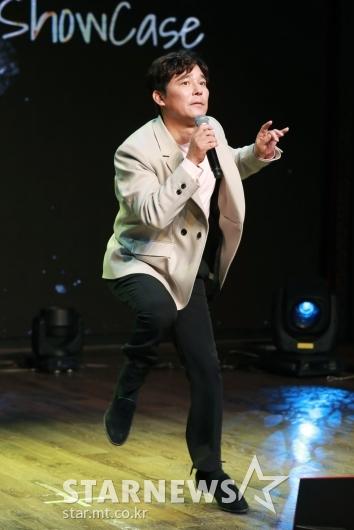 임창정 '공약은 무반주 댄스'[★포토]
