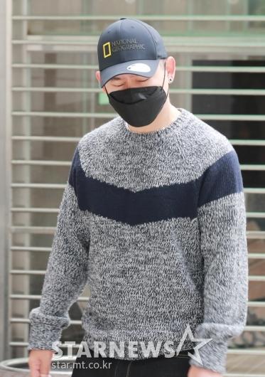 첫 공판 출석하는 '불법도박장 개설 혐의' 김형인[★포토]