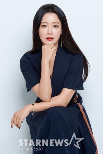 김희선 '빨간 입술이 포인트'[★포토]