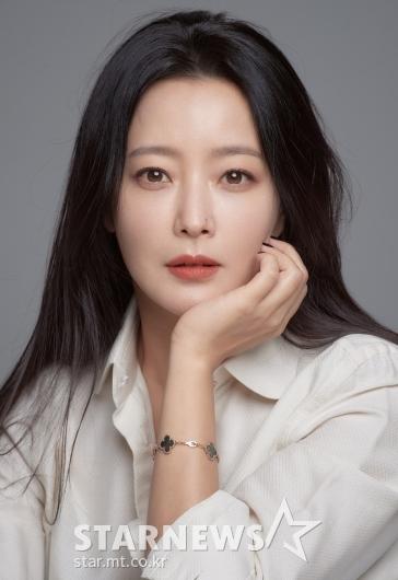 김희선 '완벽한 피부미인'[★포토]
