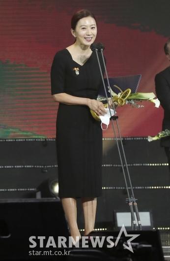 김희애 '대중문화예술상 대통령 표창'[★포토]