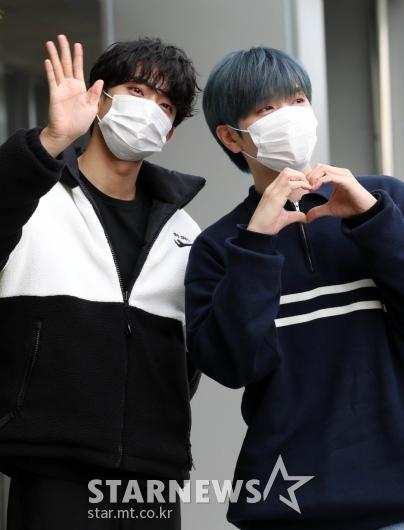 B1A4 공찬-산들 '멋진 모습으로 팬들에 인사'[★포토]
