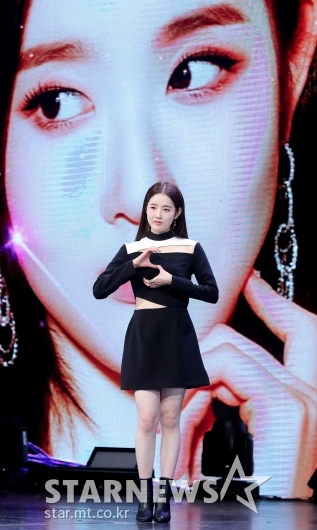 시은 '아빠 박남정과 똑같이 가수로 데뷔'[★포토]