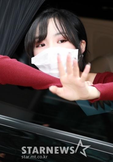 유주 '우리팬들 안녕~'[★포토]