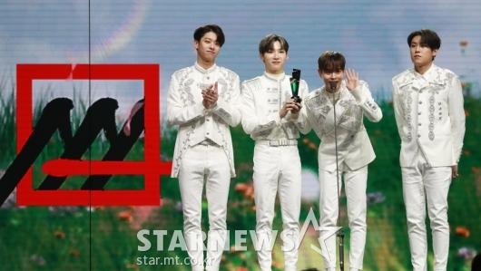 AB6IX, 2020 AAA 가수 부문 아이콘상 수상[★포토]