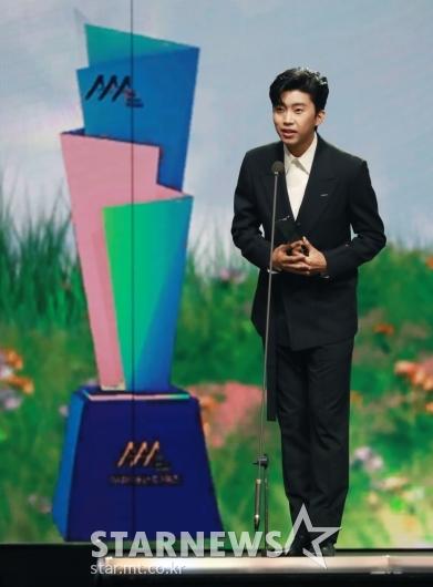 임영웅, 2020 AAA 트로트 부문 최애돌인기상 수상[★포토]