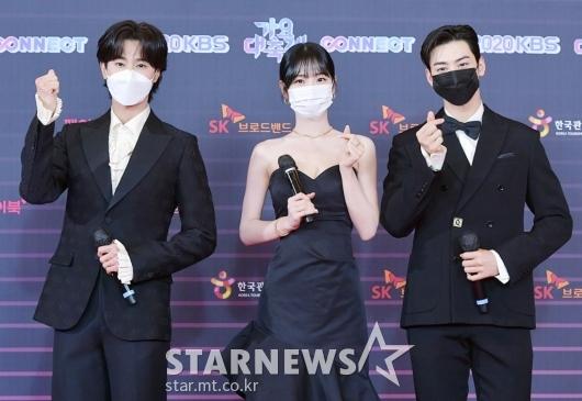 유노윤호-신예은-차은우 'KBS 가요대축제 MC'[★포토]