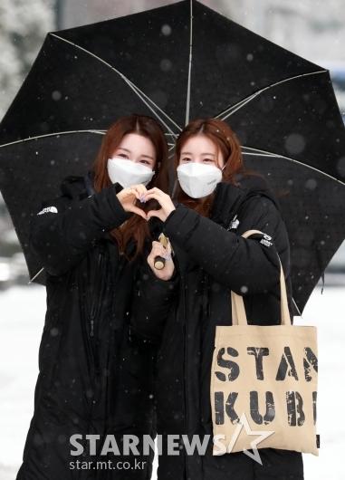 우연-나나 '눈꽃처럼 예쁘게!' [★포토]