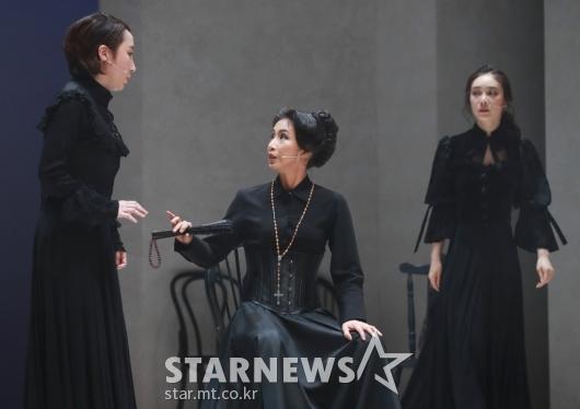 열연하는 베르나르다와 딸들[★포토]