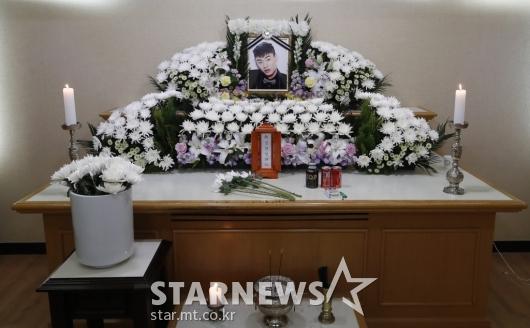 국립중앙의료원 장례식장에 마련된 故 아이언 빈소[★포토]