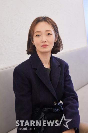 포즈 취하는 '런 온' 배우 이봉련[★포토]