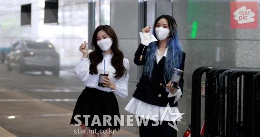 오마이걸 효정-미미 '주간아 500회 축하해요!' [영상]