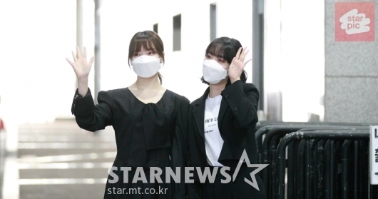 여자친구 예린-신미 '사랑스런 미소로 축하!' [영상]