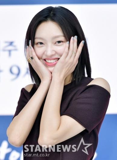 최유화 '예쁜 내 얼굴'[★포토]