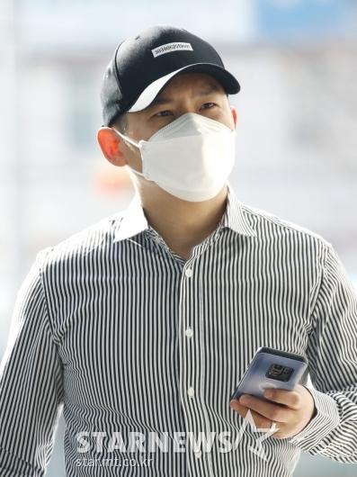 '불법도박장 개설 혐의' 김형인 공판 출석[★포토]