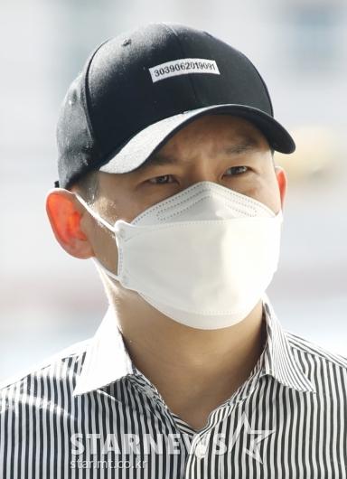 김형인 '불법도박장 개설 혐의' 3차 공판 출석[★포토]