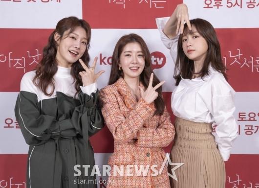 차민지-정인선-안희연 '미녀들의 손인사'[★포토]