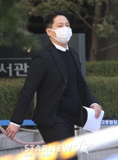 힘찬 '강제추행 징역 10개월'[★포토]