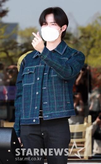 김재환 '눈부신 하트~'[★포토]