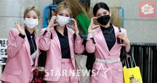 써드아이 3YE '상큼한 핑크빛 향기!' [영상]