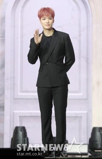 JR '부드러운 인사'[★포토]
