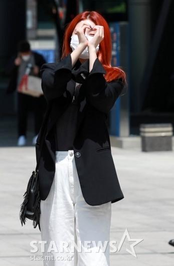 있지 류진 '빨강머리가 예쁘네~'[★포토]