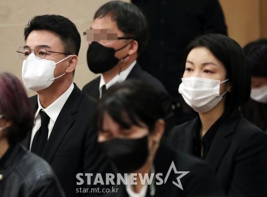 故 이춘연 대표 영결식 참석한 박중훈-김옥빈[★포토]