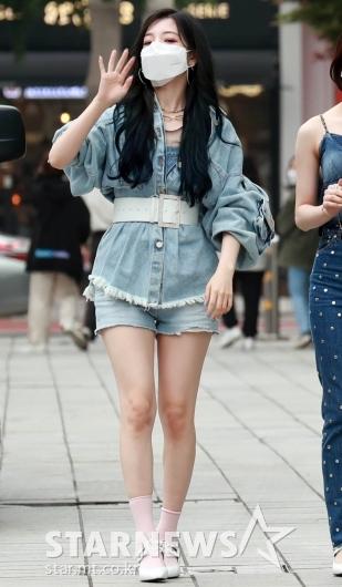 로켓펀치 연희 '시크한 인사'[★포토]