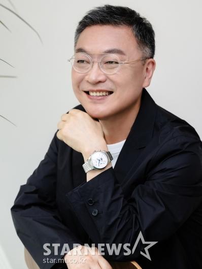 김의성 '꽃중년의 깜찍 미소'[★포토]