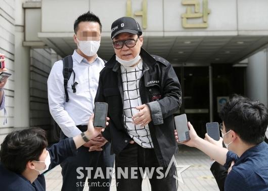 조영남 '항소심 무죄'[★포토]