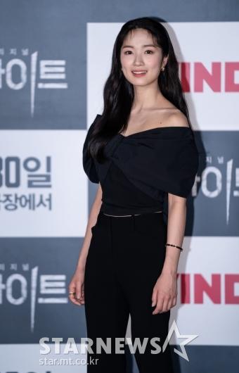 김혜윤 '오프숄더로 섹시하게'[★포토]