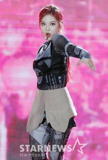 에스파 닝닝 '무대 휘어잡는 카리스마'[★포토]