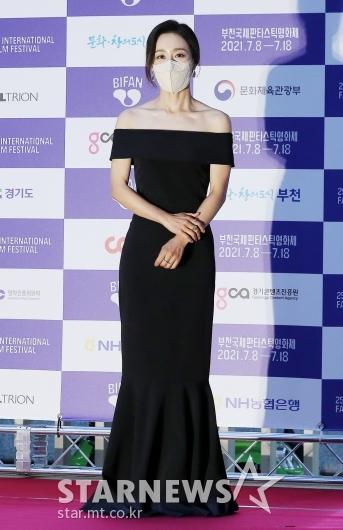 문정희 '고품격 드레스 자태' [★포토]