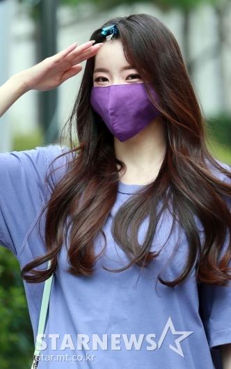 박성연 '거수경례하는 바비인형'[★포토]