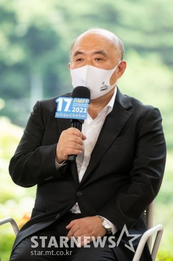 기자회견하는 조성우 JIMFF 집행위원장[★포토]