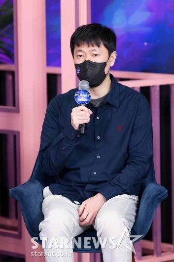 답변하는 '걸스플래닛999' 김신영 PD[★포토]