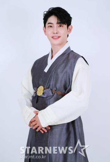 박현호 '행복한 추석 되세요'[★포토]