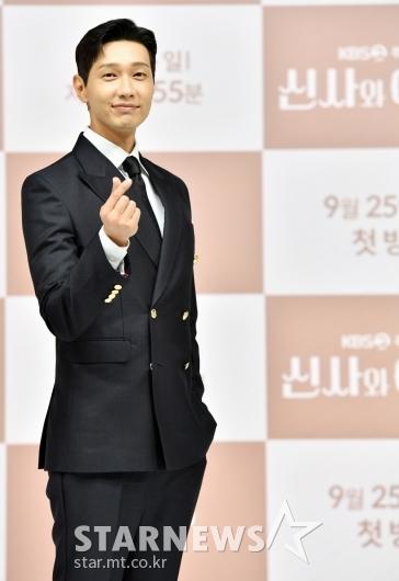 지현우 '달콤 하트'[★포토]